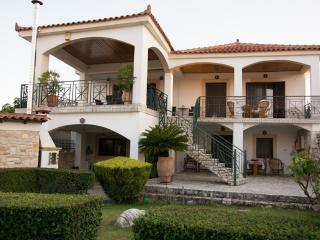 """Villa """"Karpofora anzeigen"""", Petalidi"""