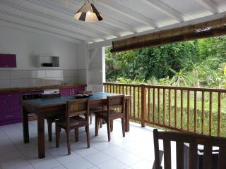 Habitation CALISSA gîte 'GROSEILLE PAYS', Bouillante