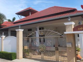 3 Bed, pool villa in a large plot of land, Hua Hin
