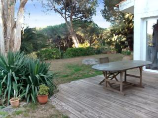 Beachside house with garden in Costa Brava, Palamos