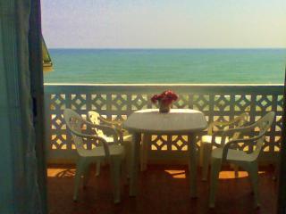 Primera linea de Playa con vistas al mar, para 6 personas