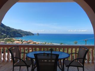 Panoramic Sea View Apt  for 4 to11 Pers & pool, Agios Gordios