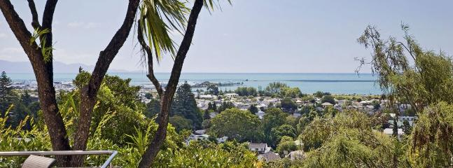 City Views Holiday Home Nelson - the Convenience of the City!