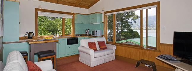 Monaco Waterfront Cottage Nelson - An Ideal Couples Retreat!