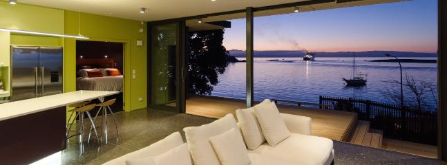 Sea Change Architectural Waterfront Holiday Home in Sunny Nelson!