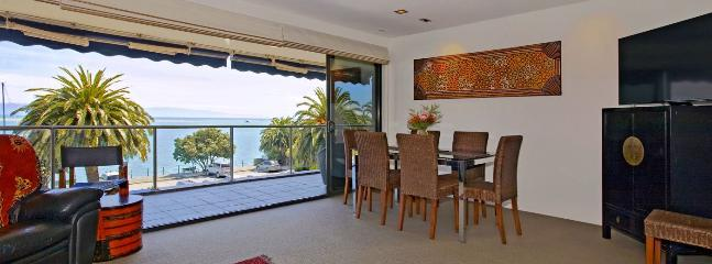 Waterfront Escape Apartment - Sea Views, Walk to Restaurants!, Nelson
