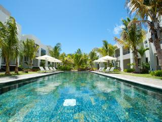 4* family duplex opposite sandy beach in the Grand Baie area