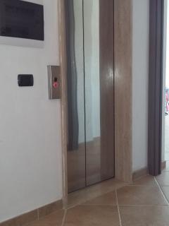 Vano ascensore.