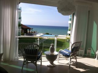 Superb Location, Ocean Front 2BR Condo, Sosúa