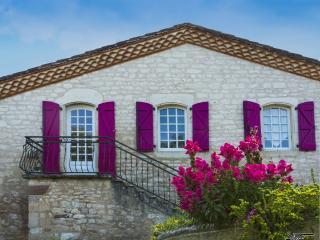 Chez Yza , location de tourisme classée 2 étoiles, au calme en pleine nature!