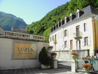 STUDIO 2 PERS FACE THERMES ET CENTRE LUZEA