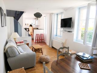 Pièce à vivre lumineuse et conviviale / bright and cosy living room