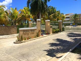 Five-Star, 2-Level Beachfront Penthouse Villa, Fajardo