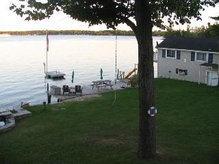 Kerruish Cottages : Boat House, Rideau Lakes
