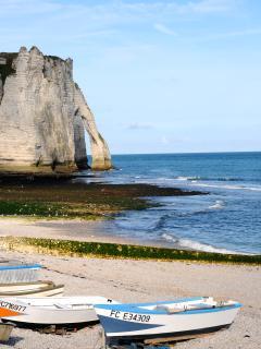 Pêche à pied à marée basse / walking by the beach
