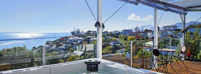 Seascape Escape Spa Pool Holiday Home on the Nelson Waterfront!
