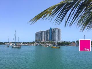 South Beach Waterfront 1/1 Newly Furnished Island, Miami Beach