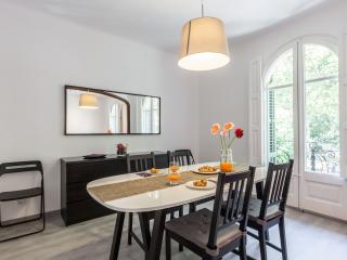 Nice 3BR next to park eixample, Barcelone