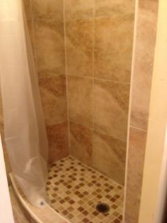 2nd bath room--shower