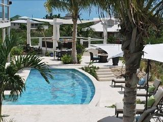 Providenciales - Provo holiday villa 'Coyaba Villa, Turtle Cove