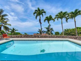 Ocean Views From Almost Every Room & Solar Heated Salt Water Pool Pu'uwai, Kailua-Kona