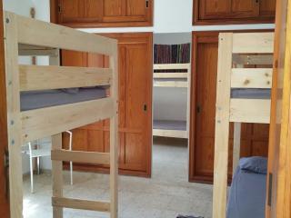 Stay The Knight - Hostel*Summer Hut*Private Room, Güímar