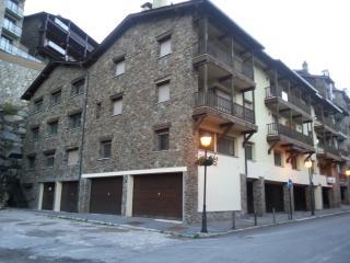 Apartamento con WIFI, a pié de pistas de Grandvalira, totalmente equipado.