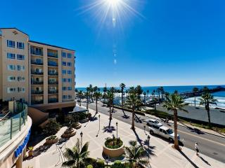 Fabulous Beach Condo BEST PRICE FOR OCEAN FRONT!!, Oceanside