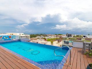 Flat with Great Terrace and Pool - SO203, Playa del Carmen