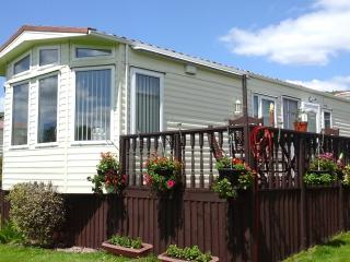 2 bedroom caravan at Smytham Manor Devon., Great Torrington