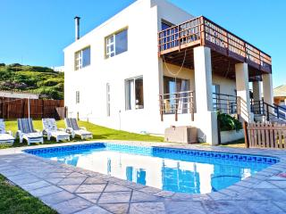 Elizabeth House - home overlooking ocean with pool, Port Elizabeth