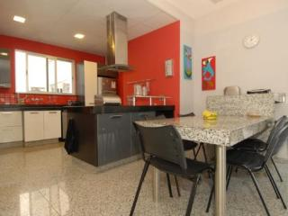 Spacious 4 Bedroom, 3 Bathroom Penthouse with Large Deck and Lateral View of Copacabana Beach, Rio de Janeiro