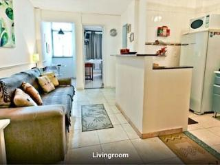 Clean, Modern One Bedroom Apartment Close to Beach in Copacabana Next to