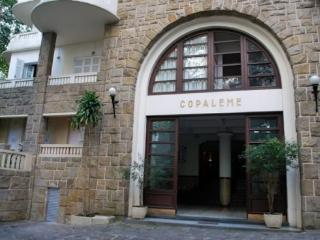 Large and Spacious 3 Bedroom plus 2 Baths Apartment In Copacabana/Leme steps from the beach!, Rio de Janeiro