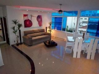Luxury 4 Bdr 4 Bath Duplex Penthouse with Private Pool - Copacabana/Ipanema Beaches, Rio de Janeiro