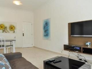 Ocean View 1 Bdr Apt in Copacabana - Beach block - Posto 5!