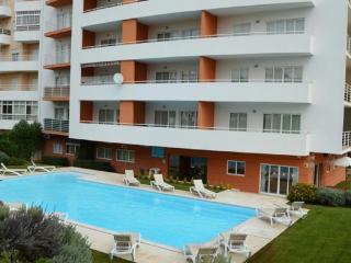 Apartamento T1 com Piscina a 1.5km da Praia, Alvor