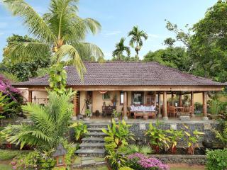 Villa Patria Lovina, Bali, Lovina Beach
