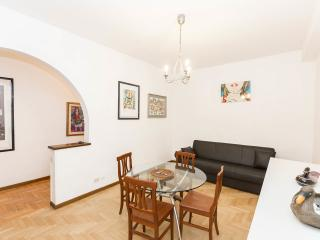 Comfortable apartment in a pedestrian district, Rome