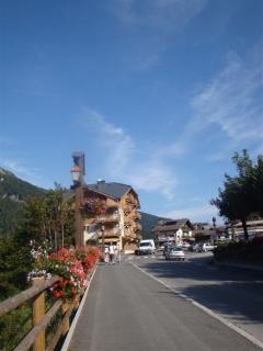Enroute into the town of Les Contamines