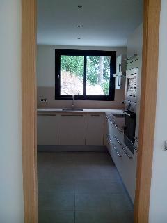 Kitchen fully equiped w/ BOSCH appliances