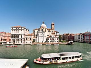 Amazing Apartment facing the Grand Canal in Venice