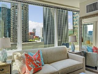 Stylish Studio in Central Location with Tons of Amenities! Walk to EVERYTHING, Seattle