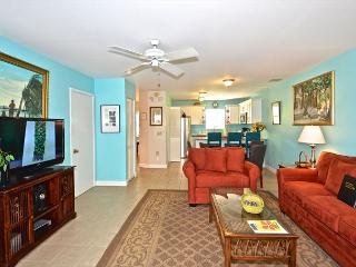Artist House- Key West Condo w/ Shared Pool & Pvt Parking