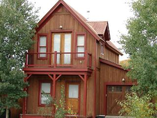 Great 3 Bedroom in Pitchfork! 5th night free! On shuttle route!, Crested Butte