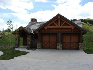 Luxury home in Prospect.  Beautiful views and fantastic location! Pool/Hot tub, Crested Butte