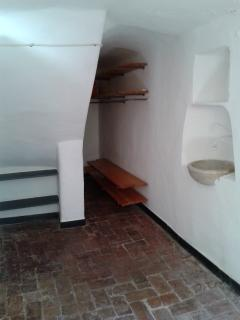 Loft 2: La cameretta con il pavimento in cotto del 1500 - The room with the tile floor of 1500