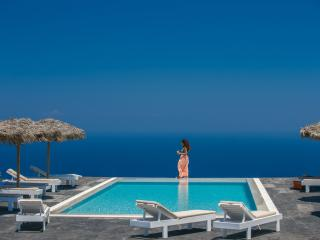 Spacious villa - superb views of the Aegean Sea