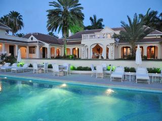 Ocean Front Estate ~ 9 Bedrooms, Terres bassi