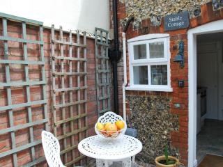 Romantic Flint Cottage on the Suffolk Coast